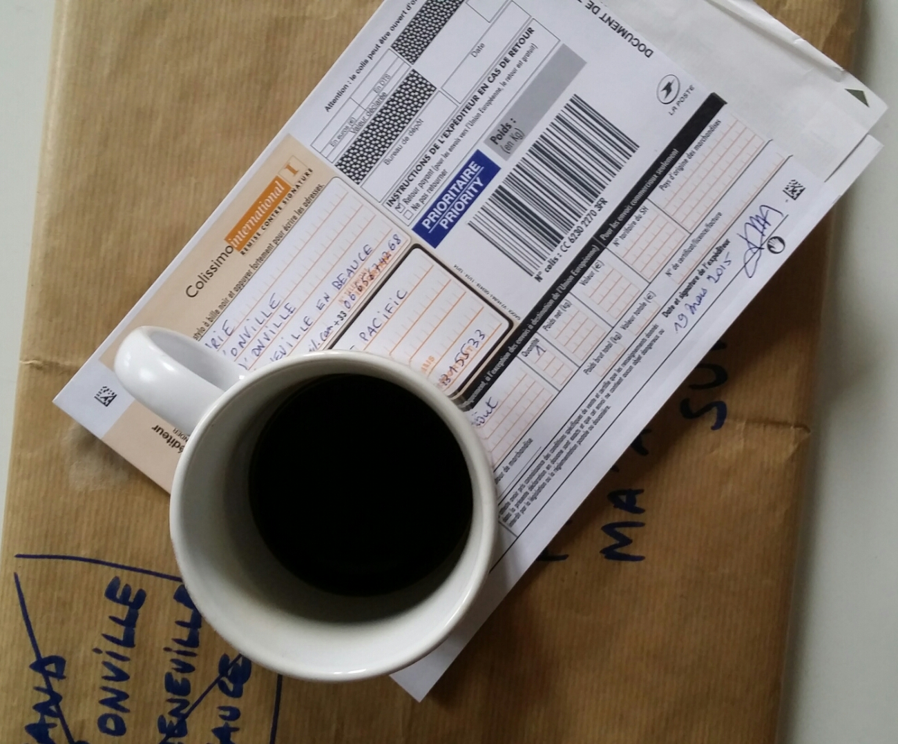 Secured and tracked shipping